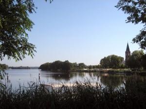 Blick von der Inselbrücke/Zielbereich in Richtung Start/Bahndamm